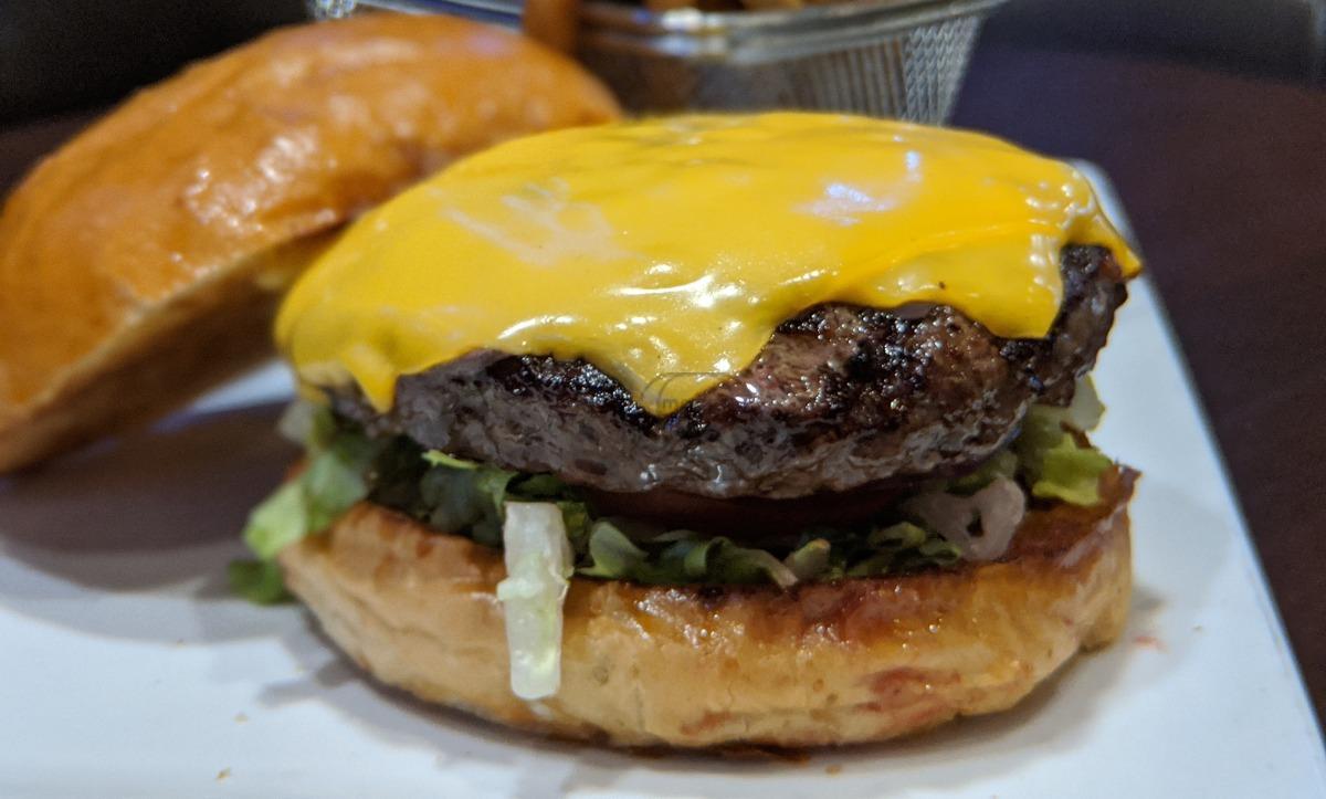 CL Classic Burger
