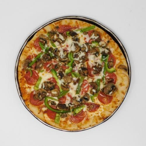 Classic Gourmet Pizza