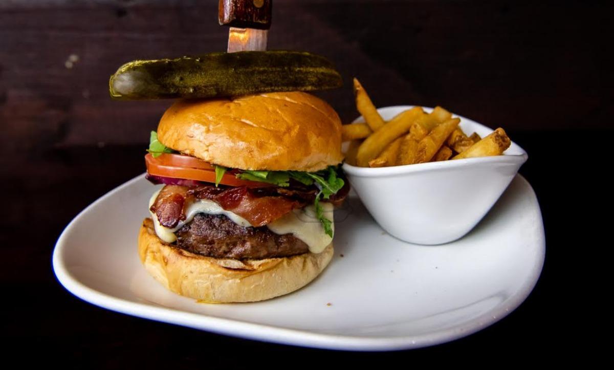 Longfellows Burger