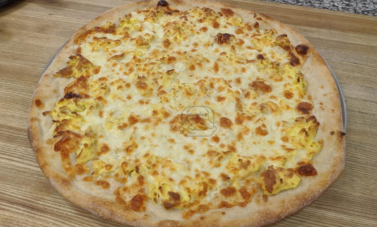 Breakfast Pizza - Large (18