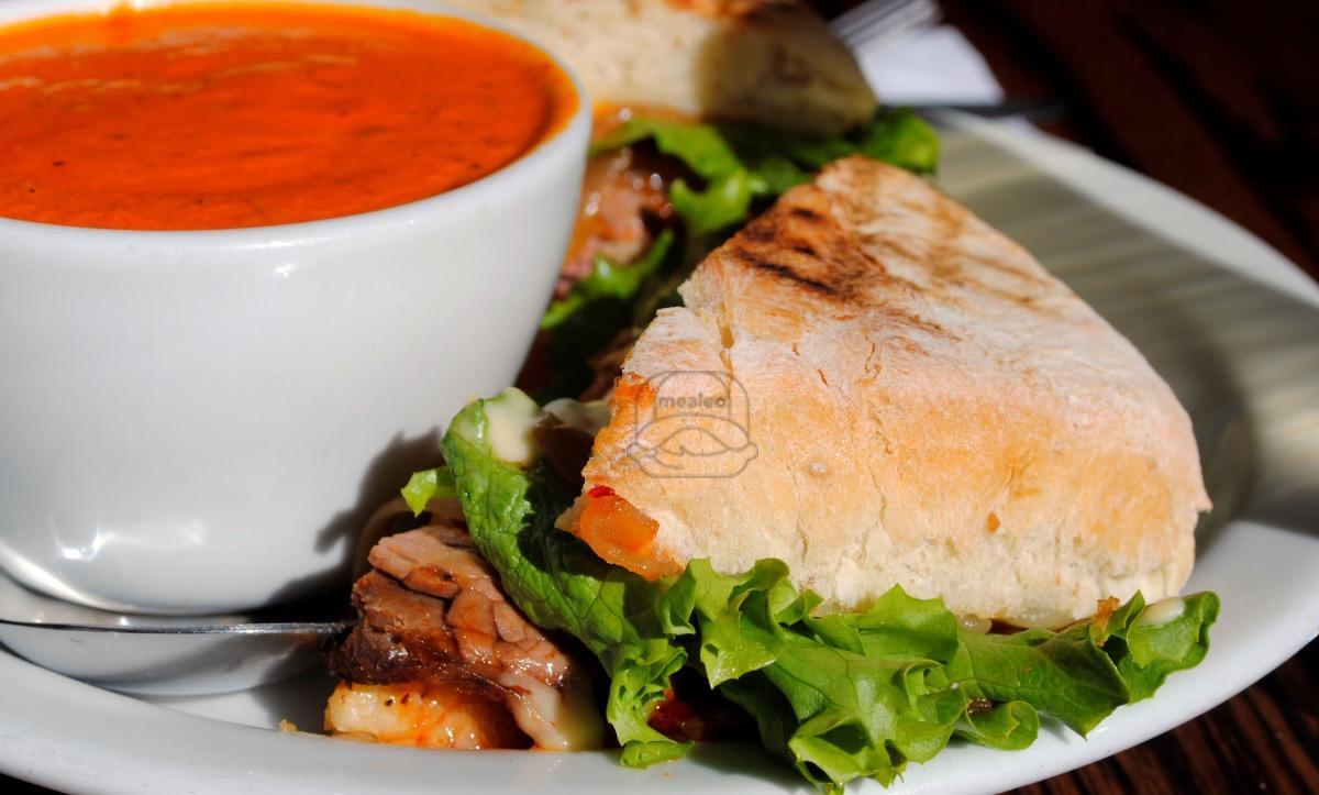spicy thai roast beef panini