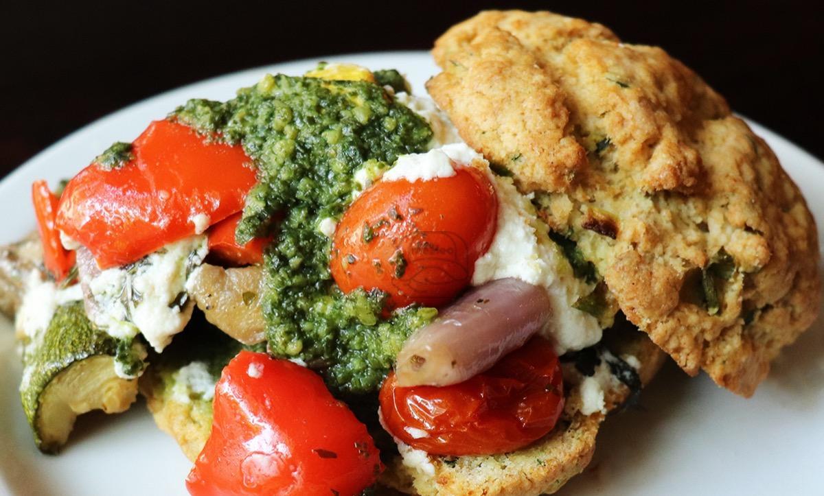 veggie & goat cheese sconewich