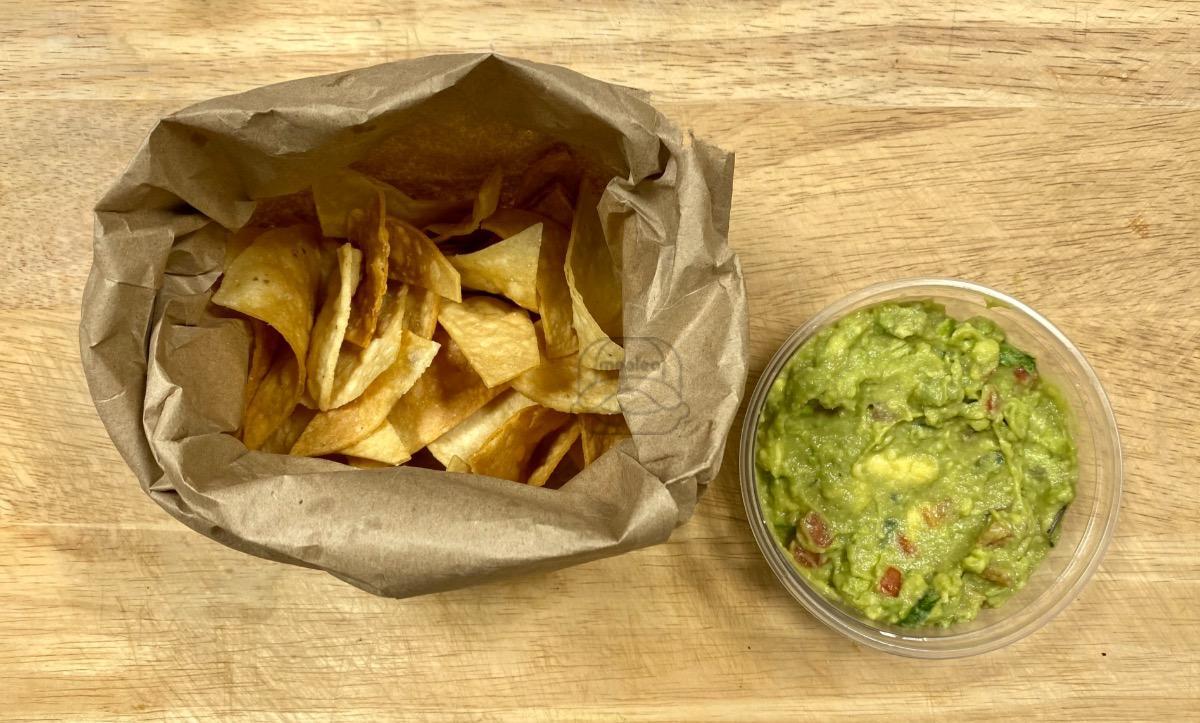 1/2lb Guacamole & Chips