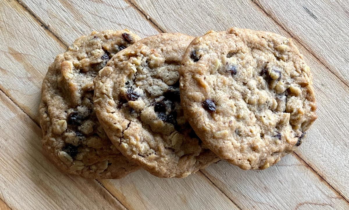 Oatmeal Raisin Cookies (3)