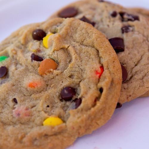 Chocolate Chip M&M Cookie